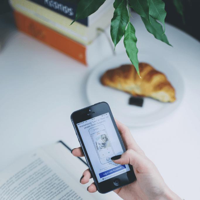 Článek o tom jak jsem se snažil najít pro sebe nový telefon, ideálně takový, aby vyhovoval mým ekologickým a etickým představám. Našel jsem takový? Jaký to je?